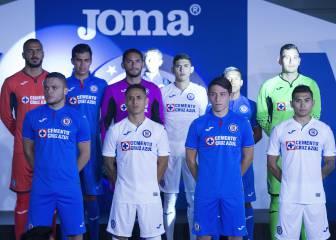 Cruz Azul presenta uniformes que usará en el Clausura 2019 f57b3a5835077