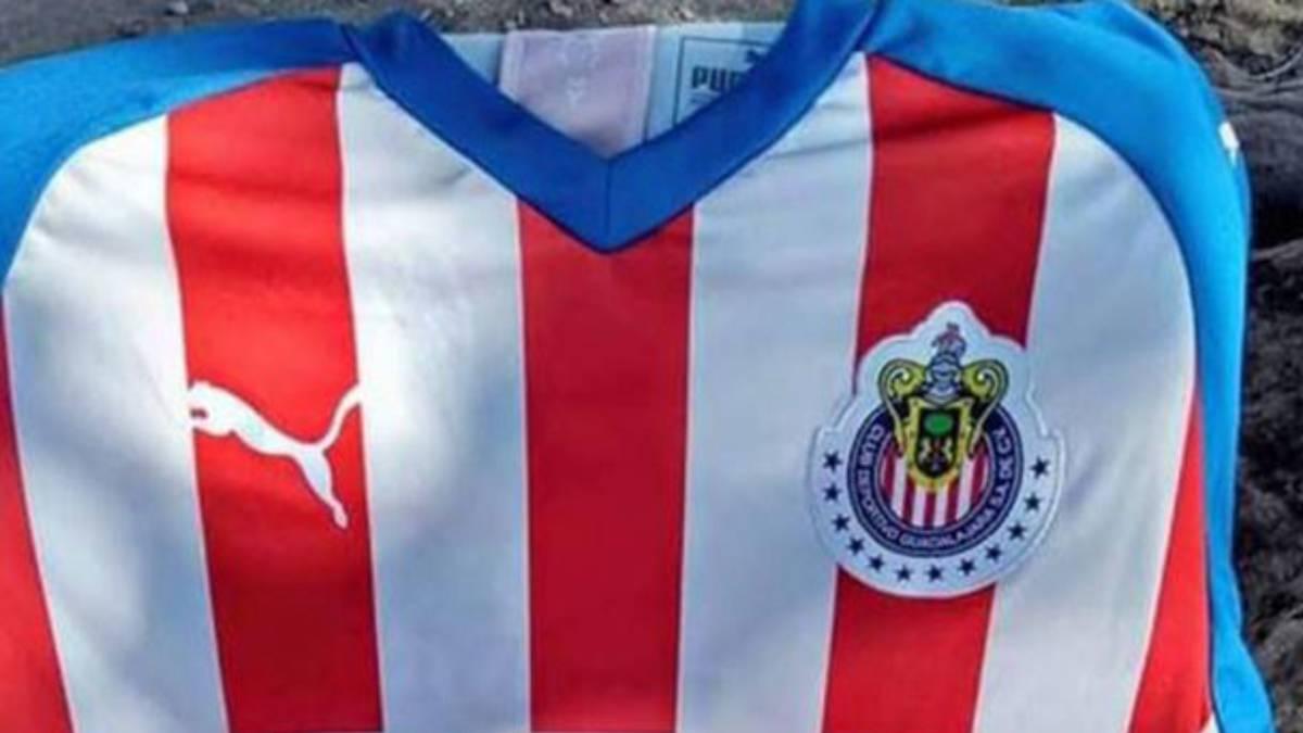 ad289f1aa3759 Aspecto de la posible nueva camiseta de Chivas para la temporada 2019-20.