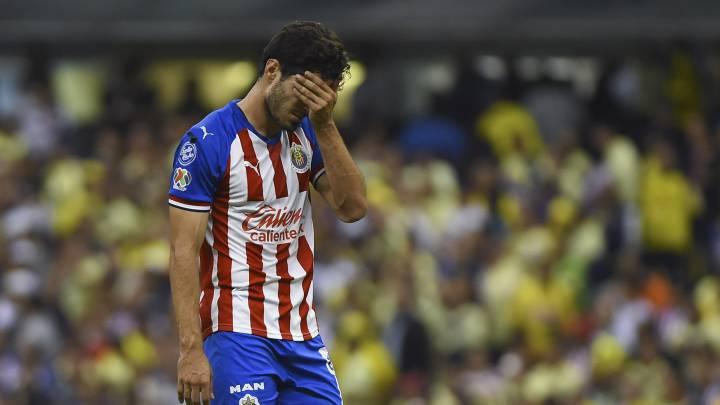 Aficionados de Chivas estallan contra Antonio Briseño en redes sociales
