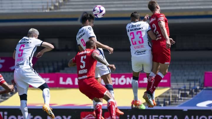 Pumas derrota a Toluca con un autogol de Luis García