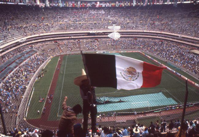 Una de las postales clásicas del Estadio Azteca, tomada durante el partido inaugural del Mundial México '86 entre Italia y Bulgaria