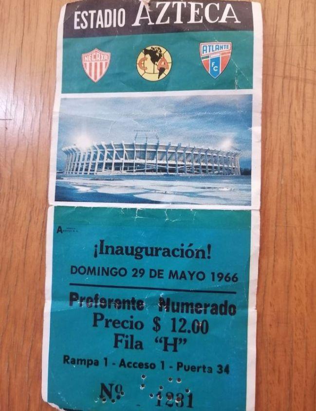 Boleto de la inauguración del Estadio Azteca