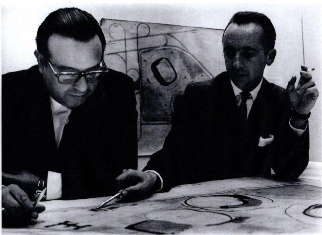 Pedro Ramírez (izquierda), arquitecto del Estadio Azteca