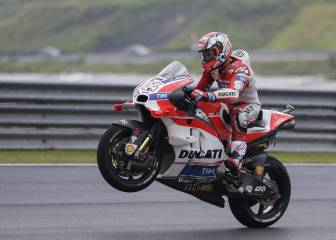 Dovizioso claims Malaysia GP ahead of Rossi and Lorenzo