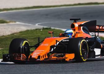 F1 carlos sainz destapa en montmel un toro rosso str12 for Mclaren carro de paseo