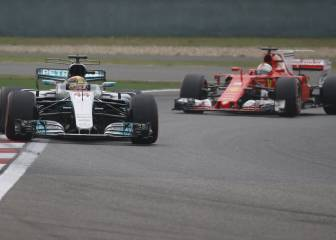 Hamilton beats Vettel to pole position in Chinese Grand Prix