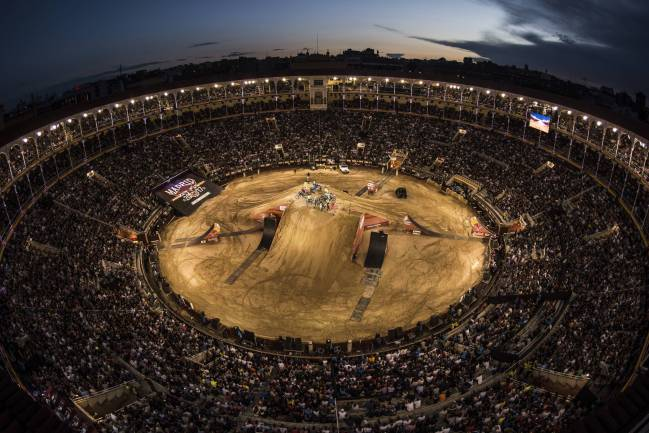 La Plaza de Las Ventas, abarrotada con el Red Bull X-FIghters.