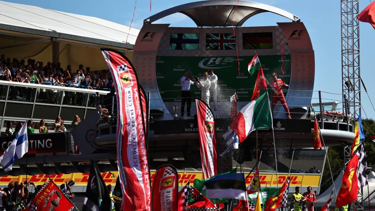 Hamilton gana y se pone líder del Mundial, Alonso se retira