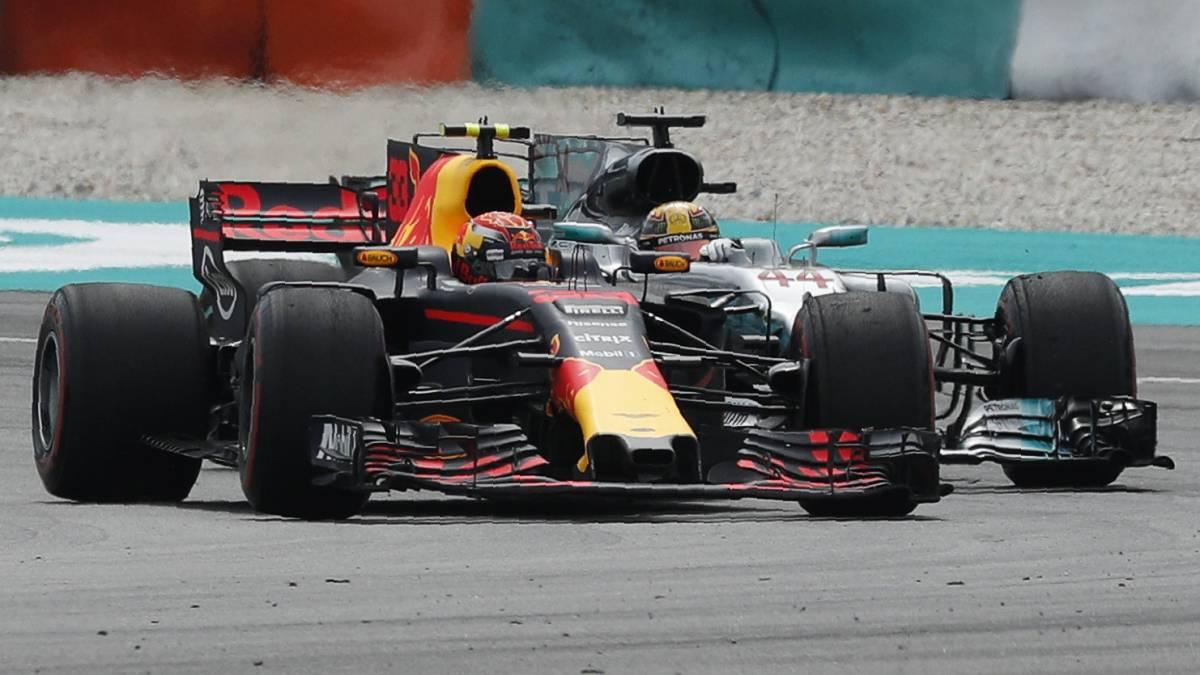 Verstappen adelanta a Hamilton.
