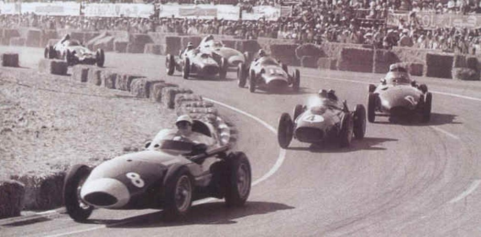 Circuito de Ain-Diab (Casablanca) Desde que se iniciara el Mundial de Fórmula 1 en 1950 son muchos los circuitos que han acogido Grandes Premios, y algunos siguen participando en el campeonato. En este circuito se disputó el GP de Marruecos en la temporada 1958.