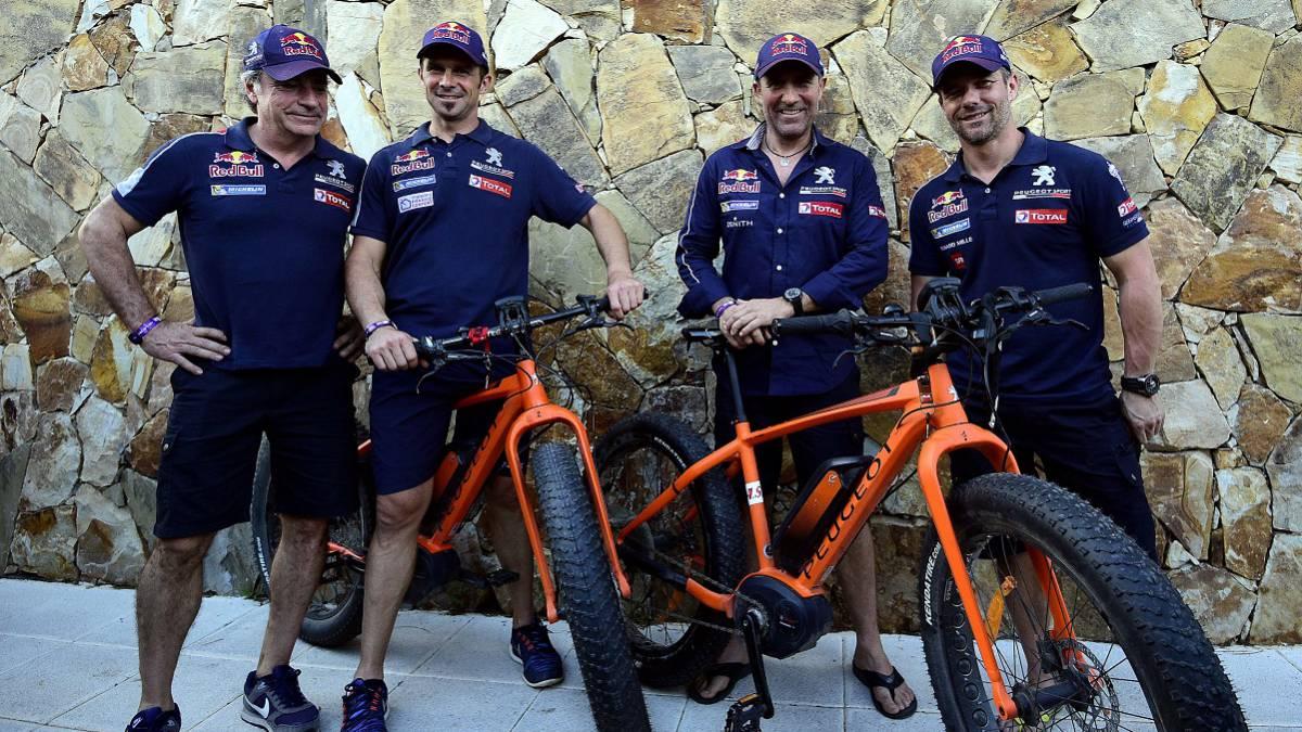 Carlos Sainz, Cyril Despres, Stephane Peterhansel y Sebastien Loeb volverán a formar el equipo de Peugeot en el Dakar.