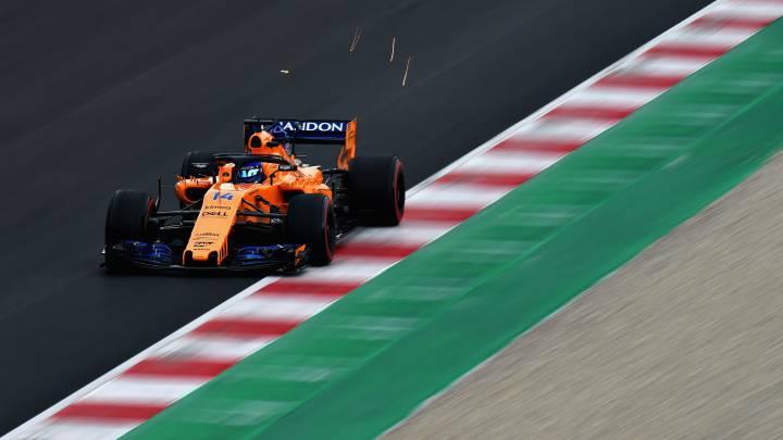 Alonso pasa del quinto al séptimo al saltarse una chicane