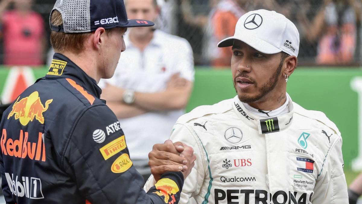 Verstappen saludaba a Hamilton antes de la carrera.