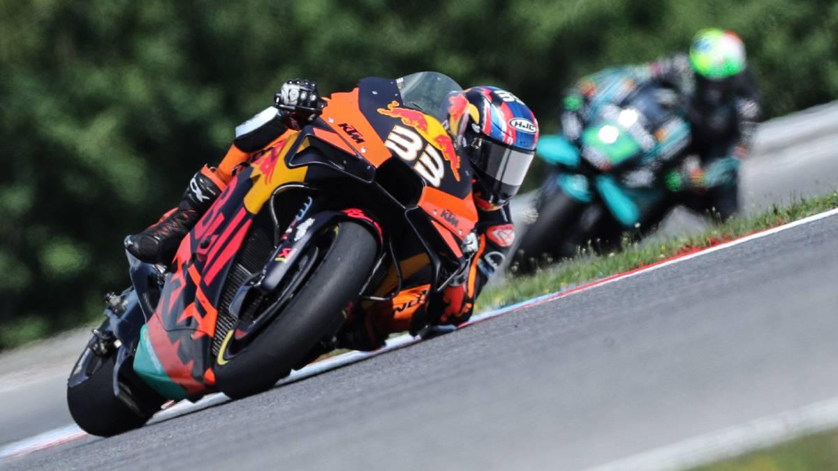 Victoria increíble de Binder con la KTM y alegría para Márquez
