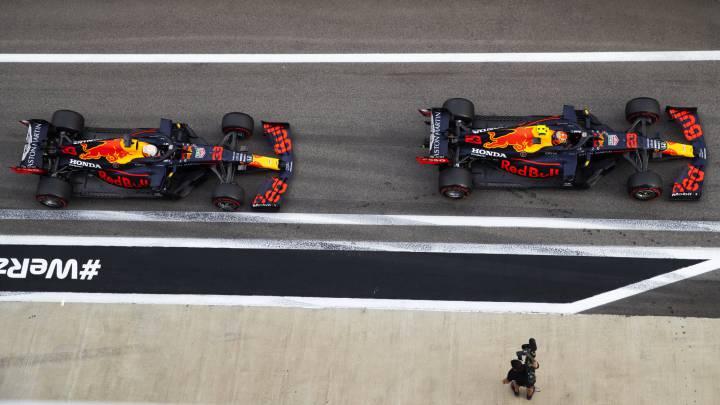 Los Red Bull Honda RB16 de Max Verstappen y Alex Albon. Sochi, Rusia. F1 2020.
