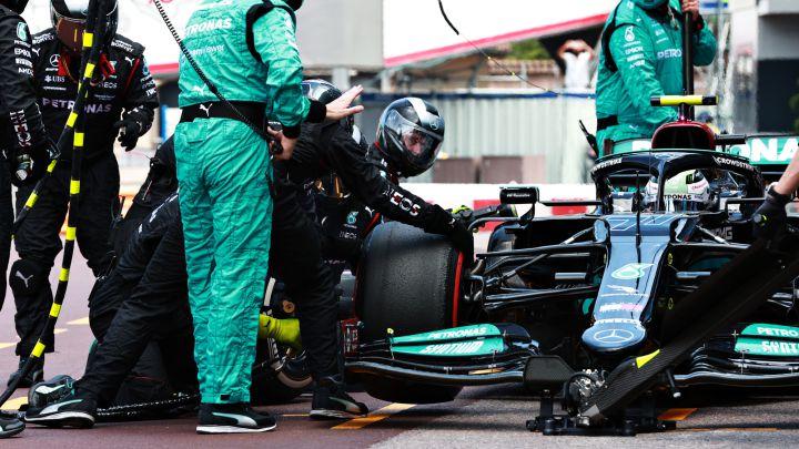 Mercedes: maquinaria pesada para sacar la tuerca de Bottas