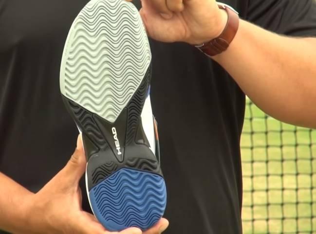 Qué debo observar al comprar unos zapatos de tenis?