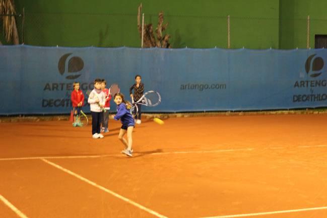 0e847eac234ad Cómo se entrenan niños y adultos en tenis  - AS.com