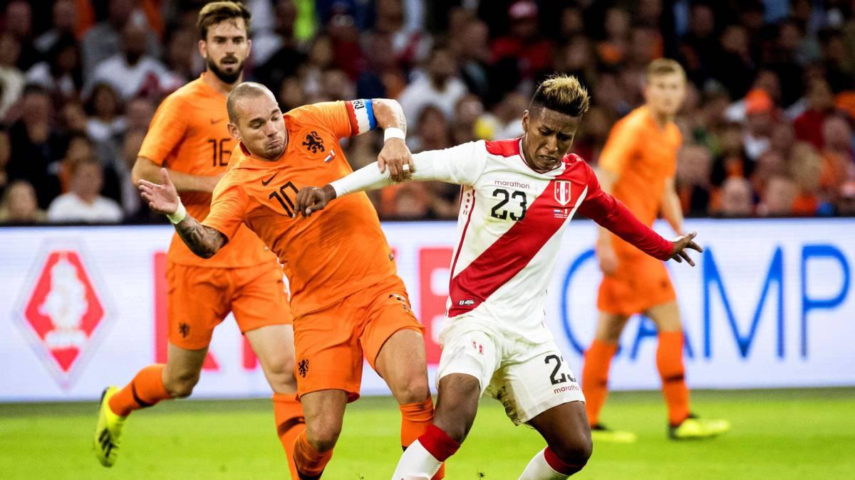 Resultado de imagen para wesley sneijder VS PERU