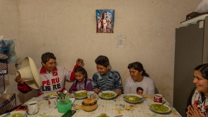 Así es la familia de Pedro Castillo, nuevo presidente de Perú: hijos, mujer...