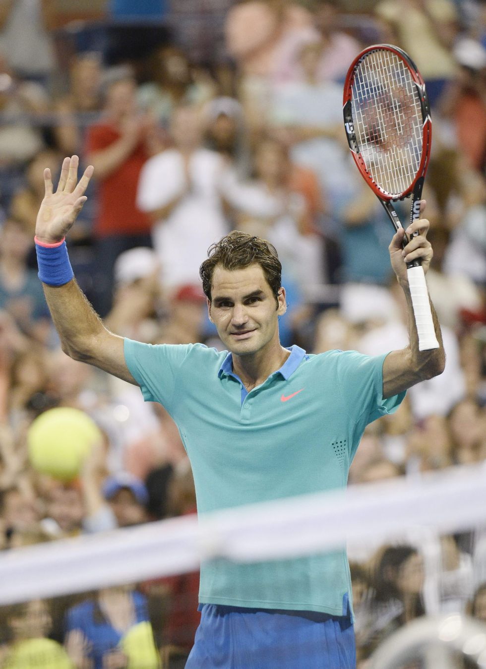 Roger Federer gana tras un diluvio a Marcel Granollers