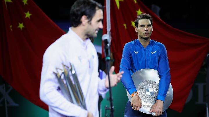 Federer closes on Nadal after Shanghai victory