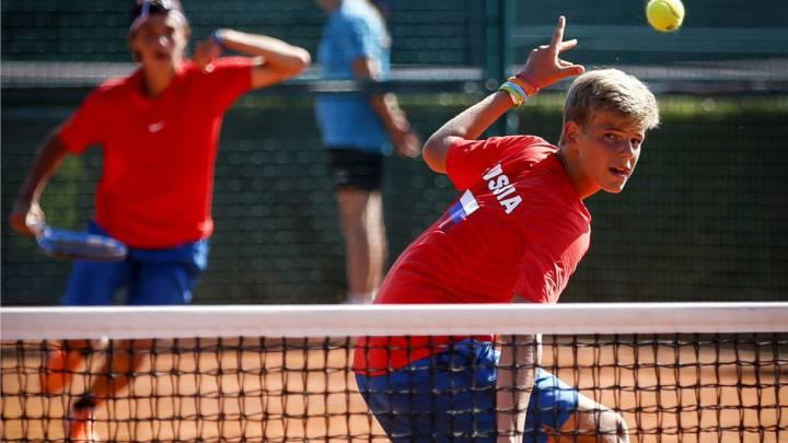 981789d6e9 El tenista ruso Konstantin Zhzhenov