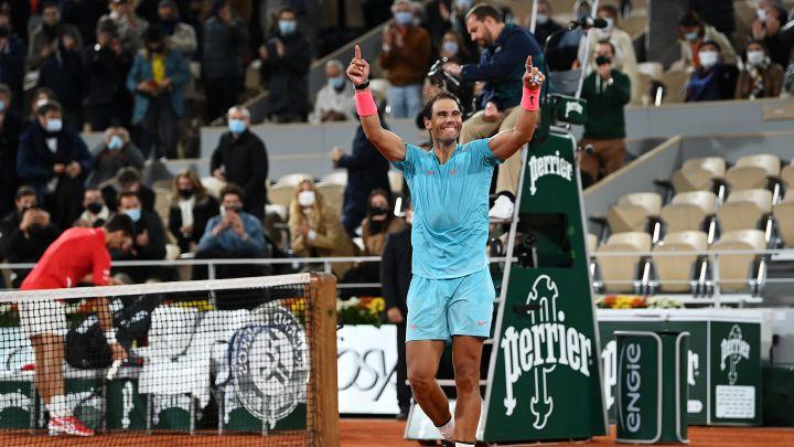 Rafa Nadal celebrates his victory against Novak Djokovic in the 2020 Roland Garros final.