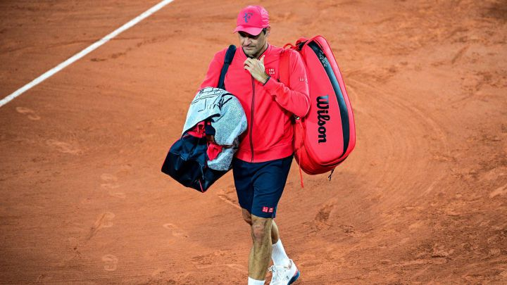 Roger Federer leaves the track after his victory against Dominik Koepfer in the third round of Roland Garros 2021.