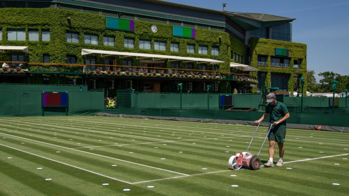 Wimbledon maintains the bubble and reduces the prizes by 5%