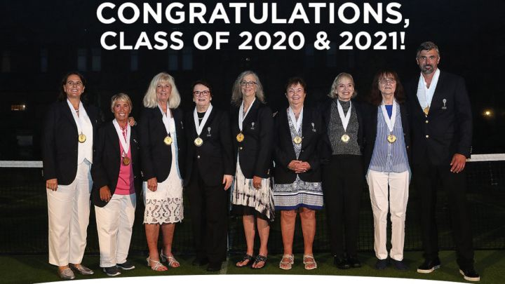 Conchita Martínez, Goran Ivanisevic and the Original 9, with Billie Jean King, pose after entering the Tennis Hall of Fame.