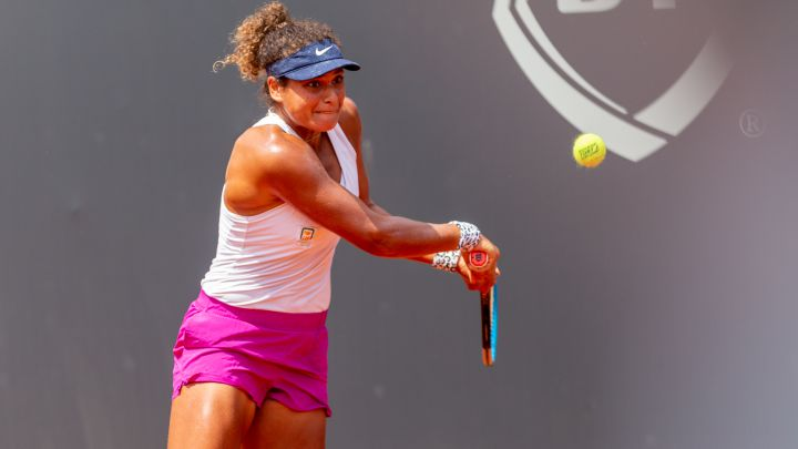 Mayar Sherif, Egyptian tennis player number 119 in the WTA ranking, in the match against Alizé Cornet.