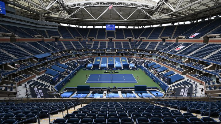 Image of the Arthur Ashe court without an audience during a match at the 2020 US Open.
