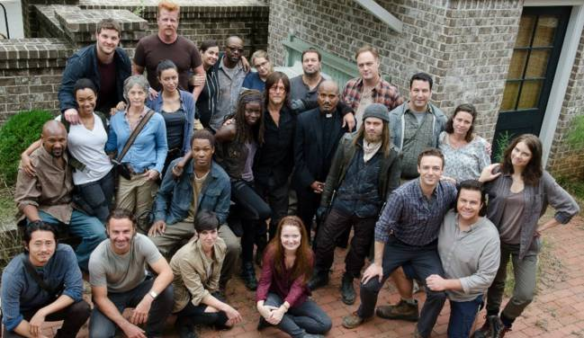 Imagen del reparto de 'The Walking Dead'. Foto Twitter