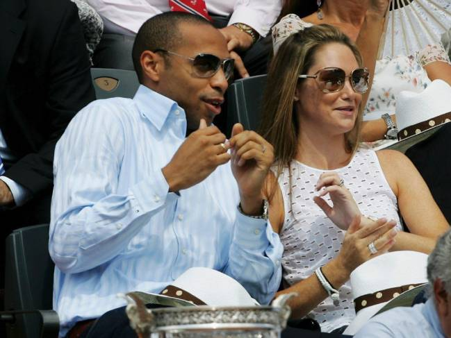 Thierry Henry y Claire Merry