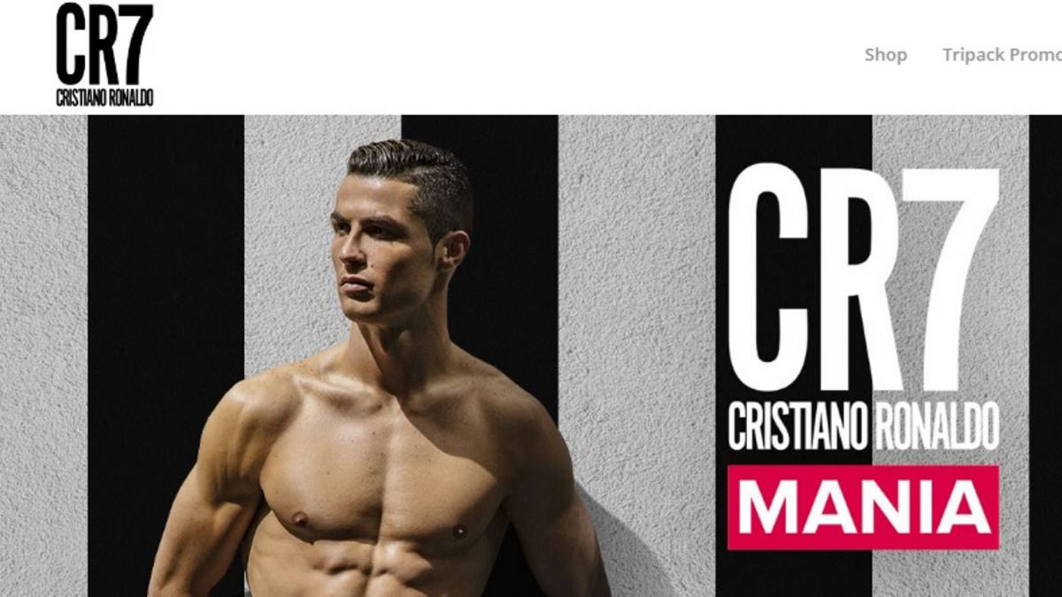 The CR7Underwear website is adorned in Juve colours