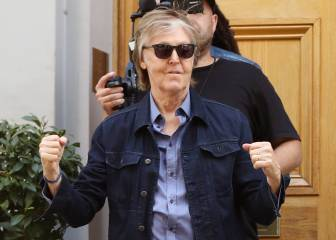 Paul McCartney cruza Abbey Road 49 años después
