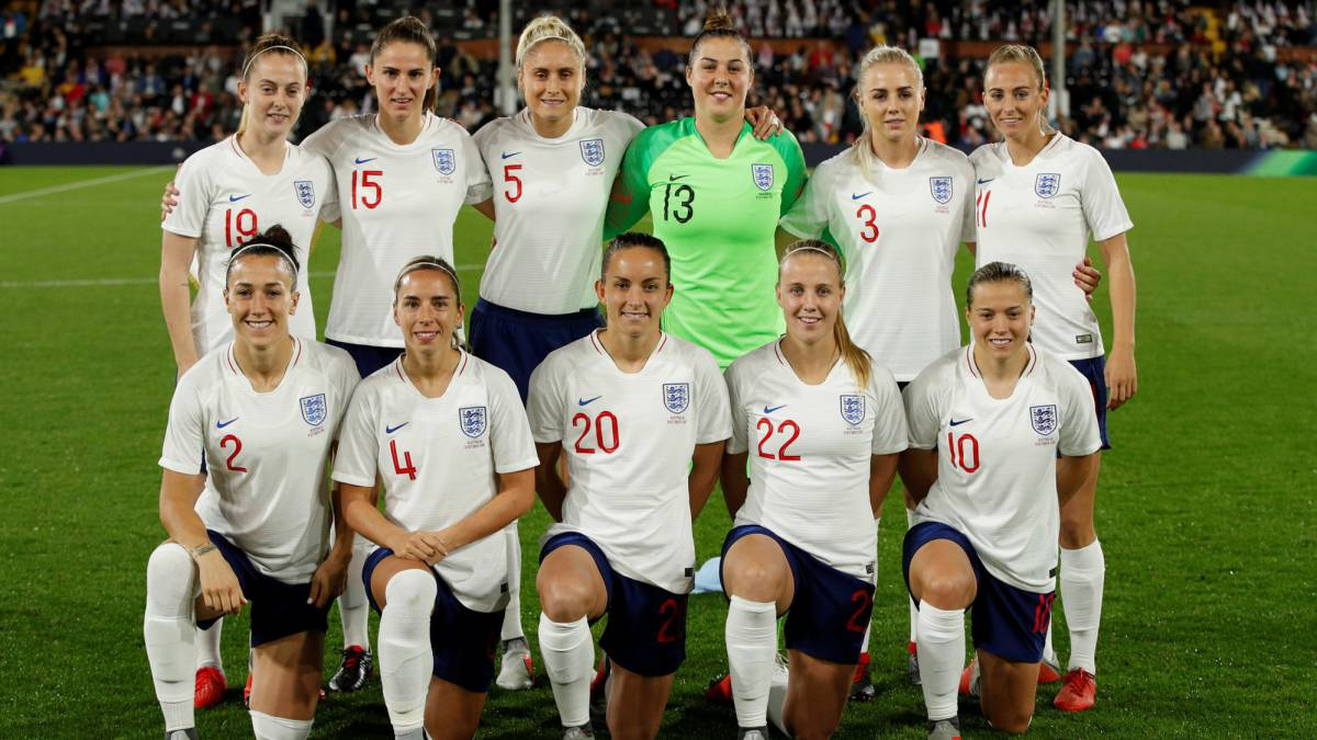 La Federación Inglesa, acusada de machismo por un tuit sobre la selección femenina