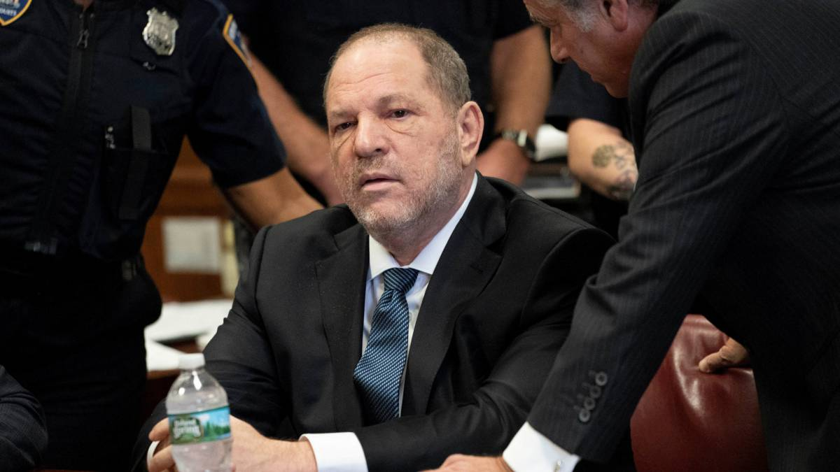 Desestimado uno de los cargos por abuso sexual de Harvey Weinstein