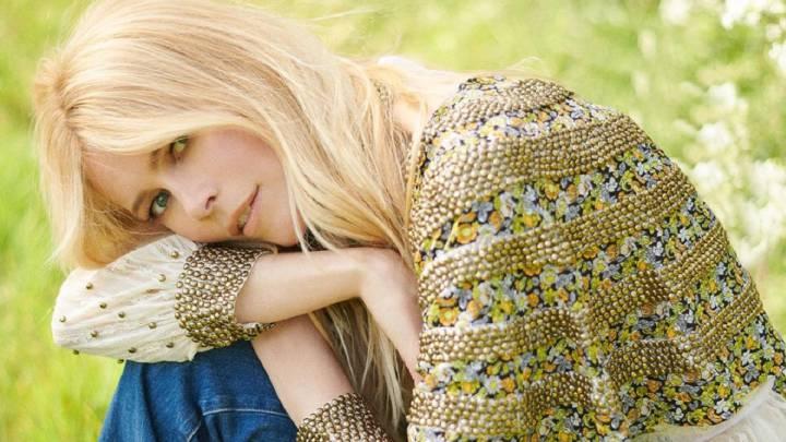 Claudia Schiffer Se Desnuda Para Vogue Por Su 25 Aniversario Con La