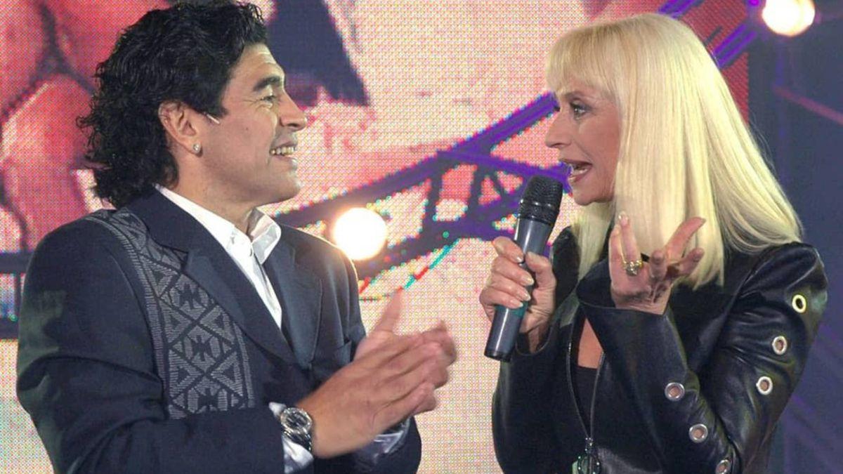 """Raffaella Carrà recuerda a su gran amigo Maradona: """"¿No podría usar condón?"""" - AS.com"""