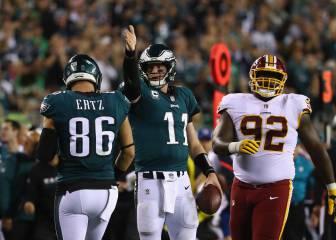 De la mano de Wentz los Eagles vuelan a la cima de la NFC