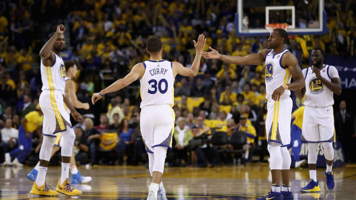 Warriors a final de Conferencia con un Curry renovado