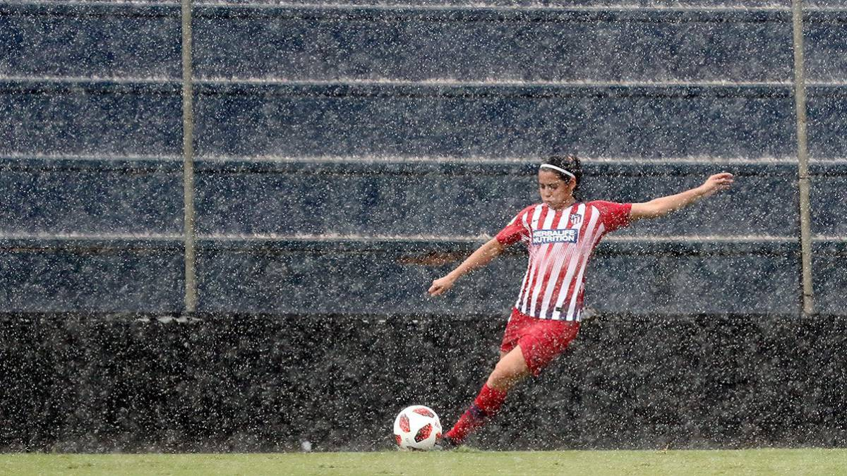 Kenti Robles anota en la UWCL
