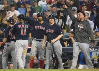 Boston triunfa en Los Angeles de la mano de Steve Pearce