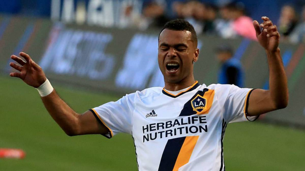 The Sun: Galaxy le ofreció un nuevo contrato a Ashley Cole