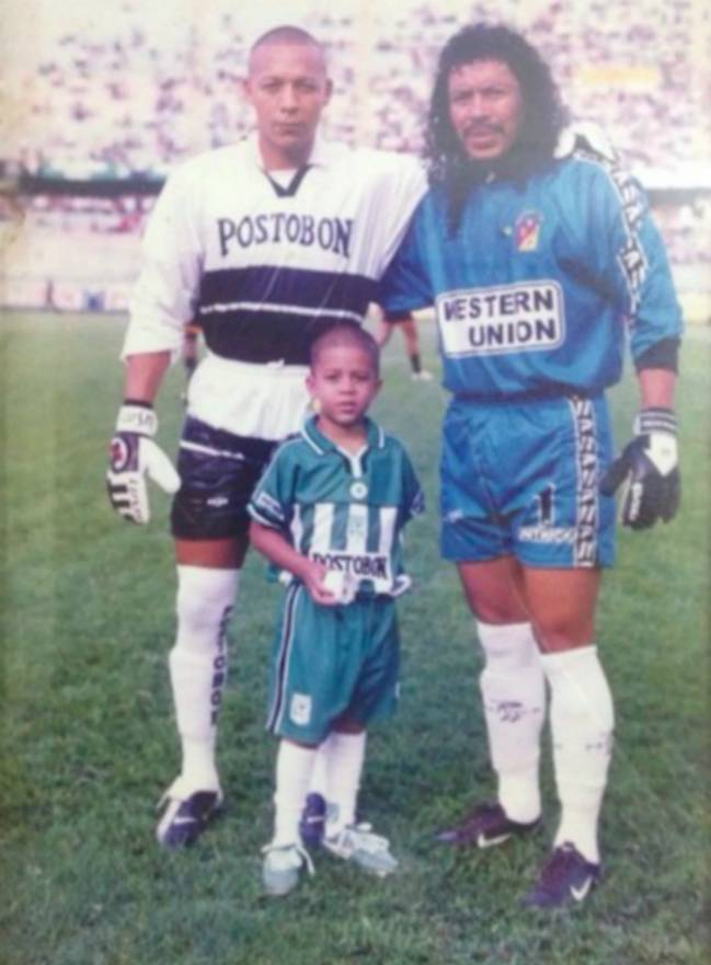 Los porteros más bajos de la historia del futbol -- Shortest goalkeepers in football - Página 2 1545398226_543058_1545399778_sumarioreportajes_normal