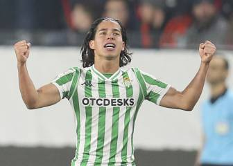 Diego Lainez is called the 'Mexican Messi' in France