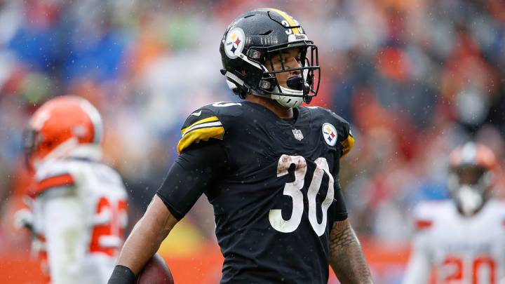 James Conner en partido de los Steelers