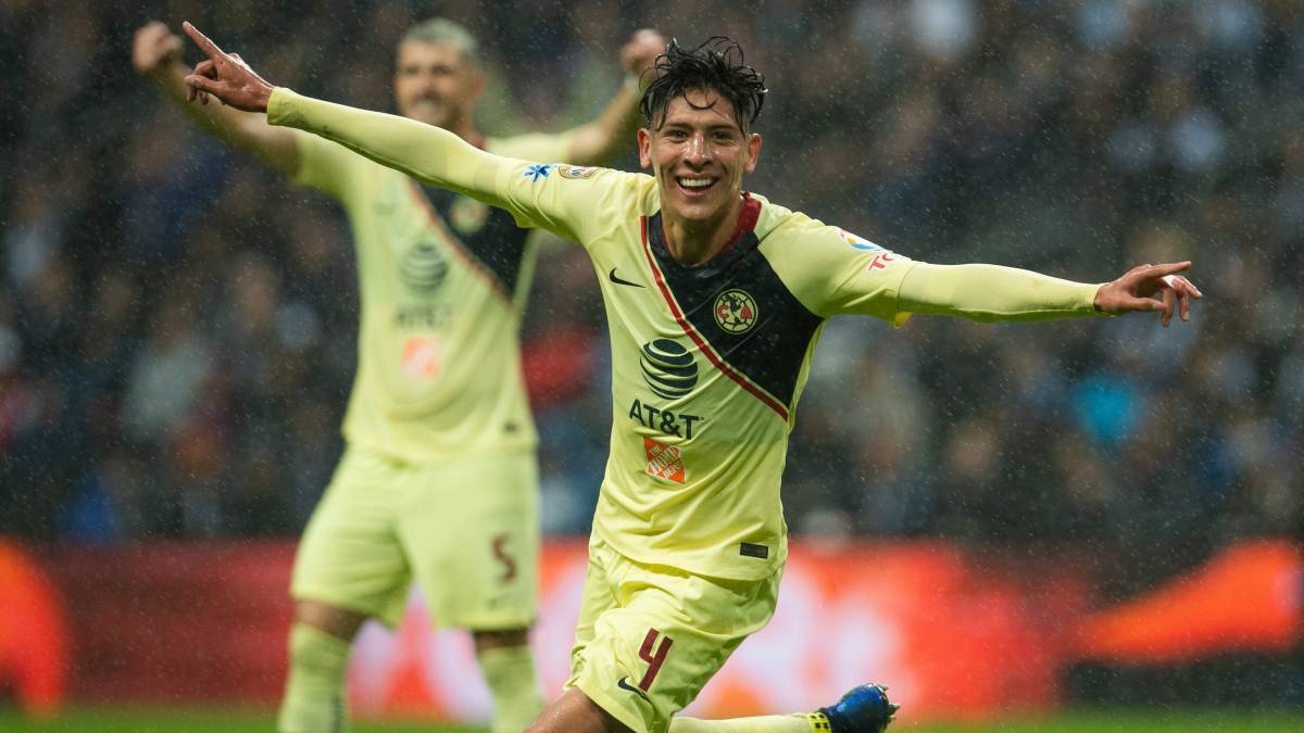 68cd9309782 Edson Álvarez celebrating after scoring with Club America of the Liga MX